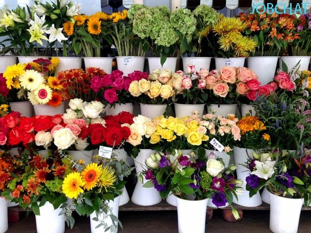 hoa tươi là mặt hàng không thể thiếu trong kinh doanh ngày 20/11